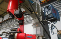 Роботизированная ячейка для сварки металлической мебели в Германии