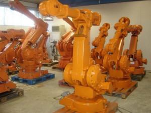Промышленные роботы бывшие в употреблении