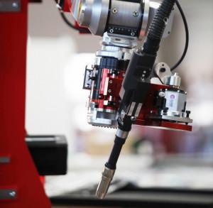 Новая головка для лазерной гибридной сварки фирмы Reis Lasertec
