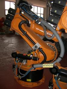 Роботизированная ячейка для лазерной резки на базе робота KUKA KR 125